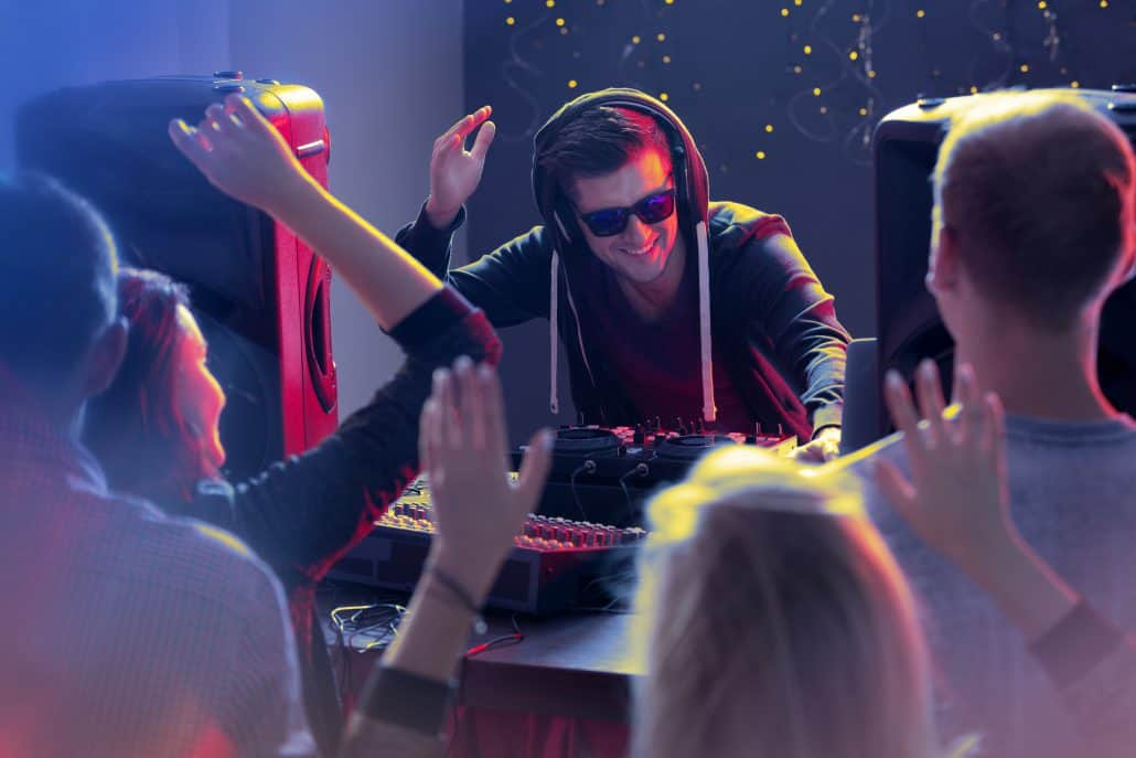 How to get more DJ gigs and bookings NOW - (12 step guide)